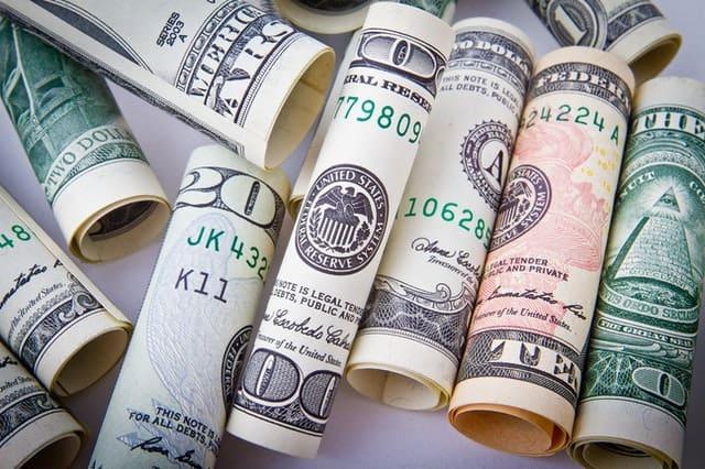 pozwijane dolary